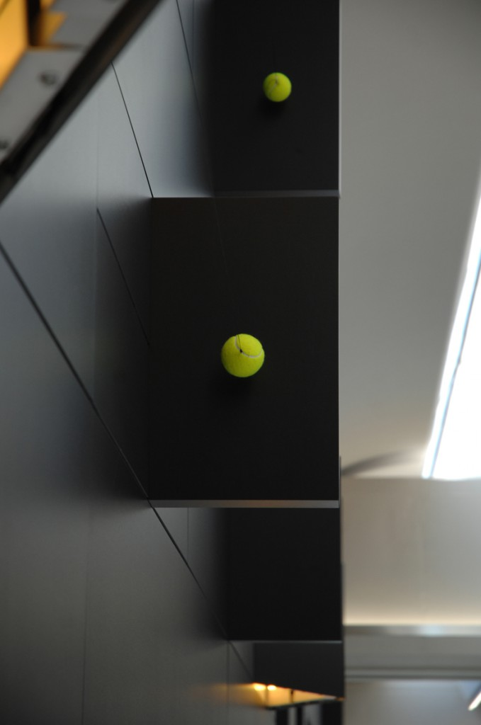 [Ceramic foils, tennis balls Wilson #1, neodymium magnets, Carson premium quality wire, LED lights system, 160 m².]