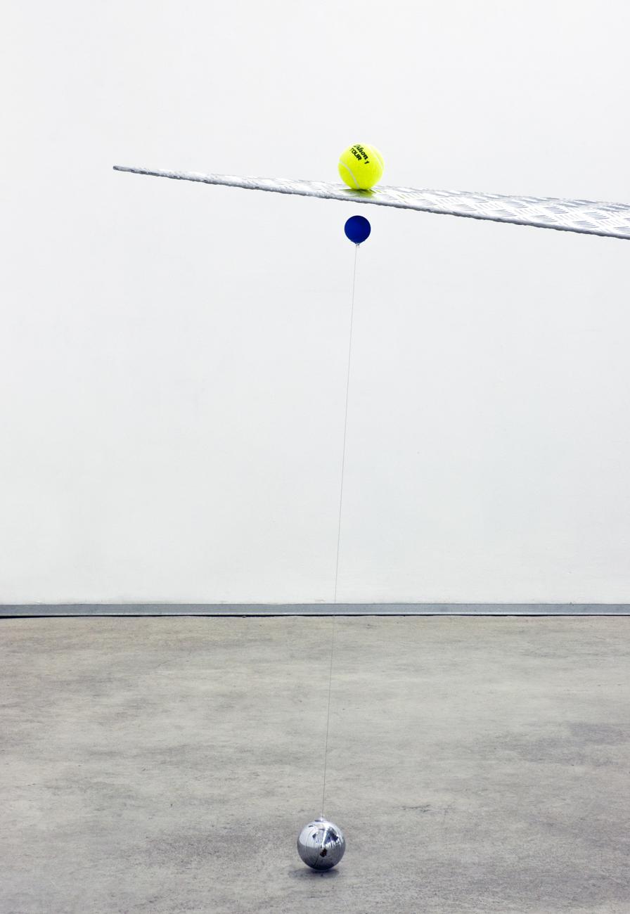 [Almond aluminium, colored ping-pong balls, wire, neodimium magnets, tennis balls, iron, inox, 380x170x140 cm]