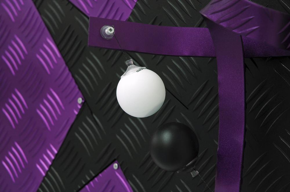 luca_pozzi_fingers_crossed_purple_black_detail_small2
