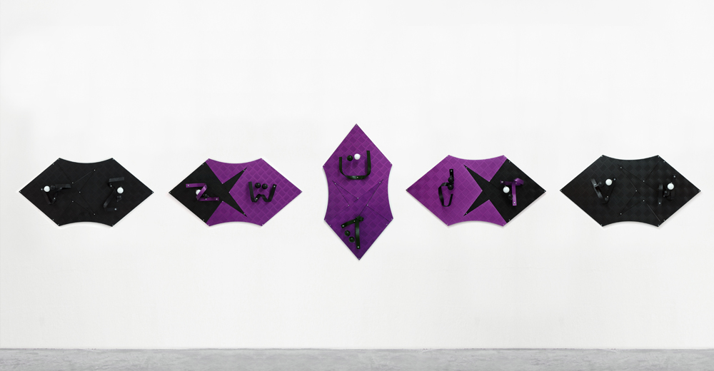 luca_pozzi_fingers_crossed_purple_black_small