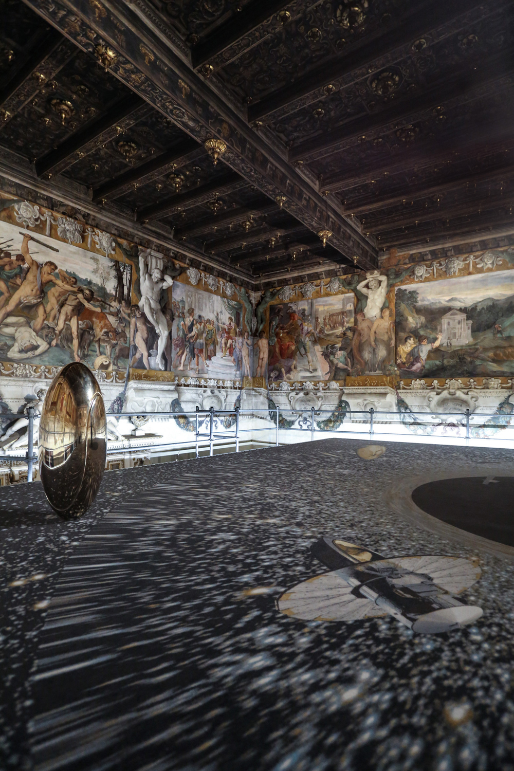 "Luca Pozzi ""The Grandfather Platform"" installation view. ph. A.Ruggeri"