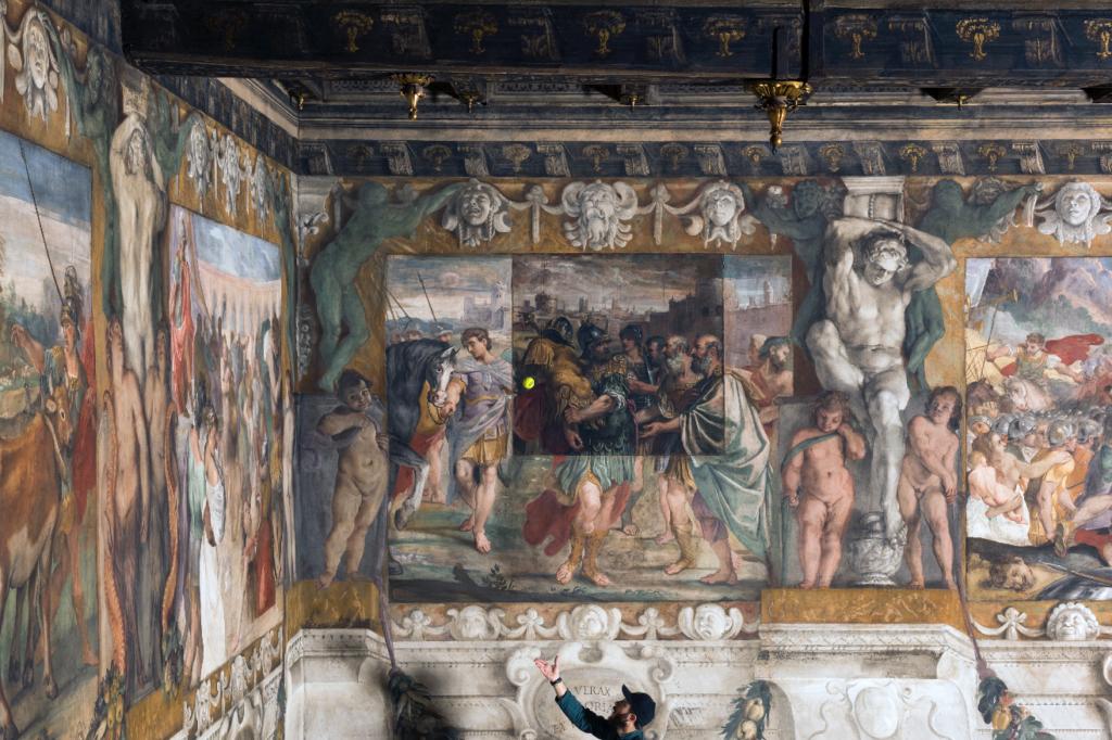 """Wilson Tour Carracci from """"Storie della fondazione di Roma"""" - Romolo dedica a Giove-feretrio le spoglie del re Acrone"""